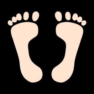裸足の足跡